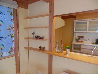 キッチン背面収納造作と既製品の組み合わせ