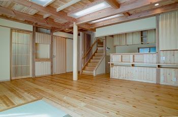 入間市天然木リビング畳とフローリング