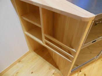 キッチン赤松造作棚