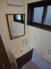 2階トイレ手洗い.jpg