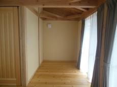 天然木自然素材の家赤松床板