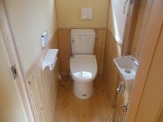 天然木自然素材の家トイレ