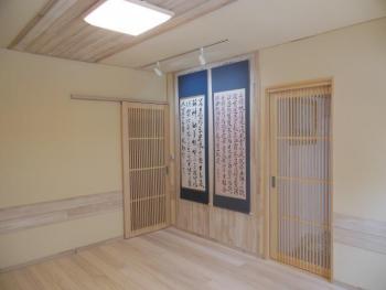 部屋中が桐板、調湿効果で快適空間、お友達も大喜び。