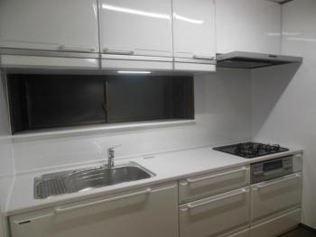 キッチンが広くスッキリして、気持ちも明るくなりました。